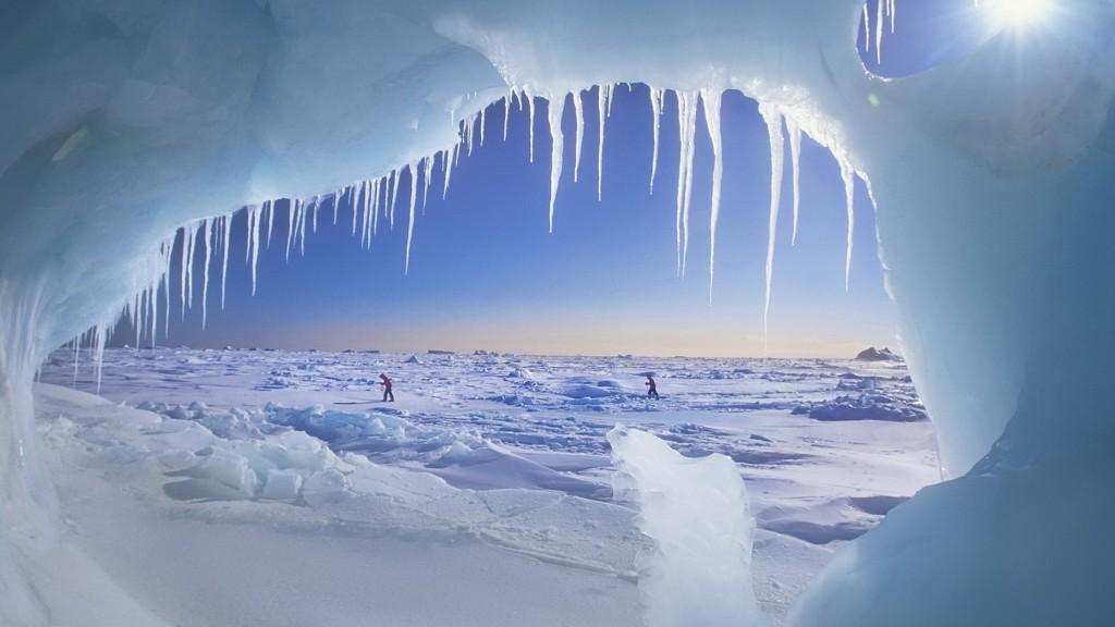 Jaskinia Lodowa, Ellesmere Island, Nunavut, Canada