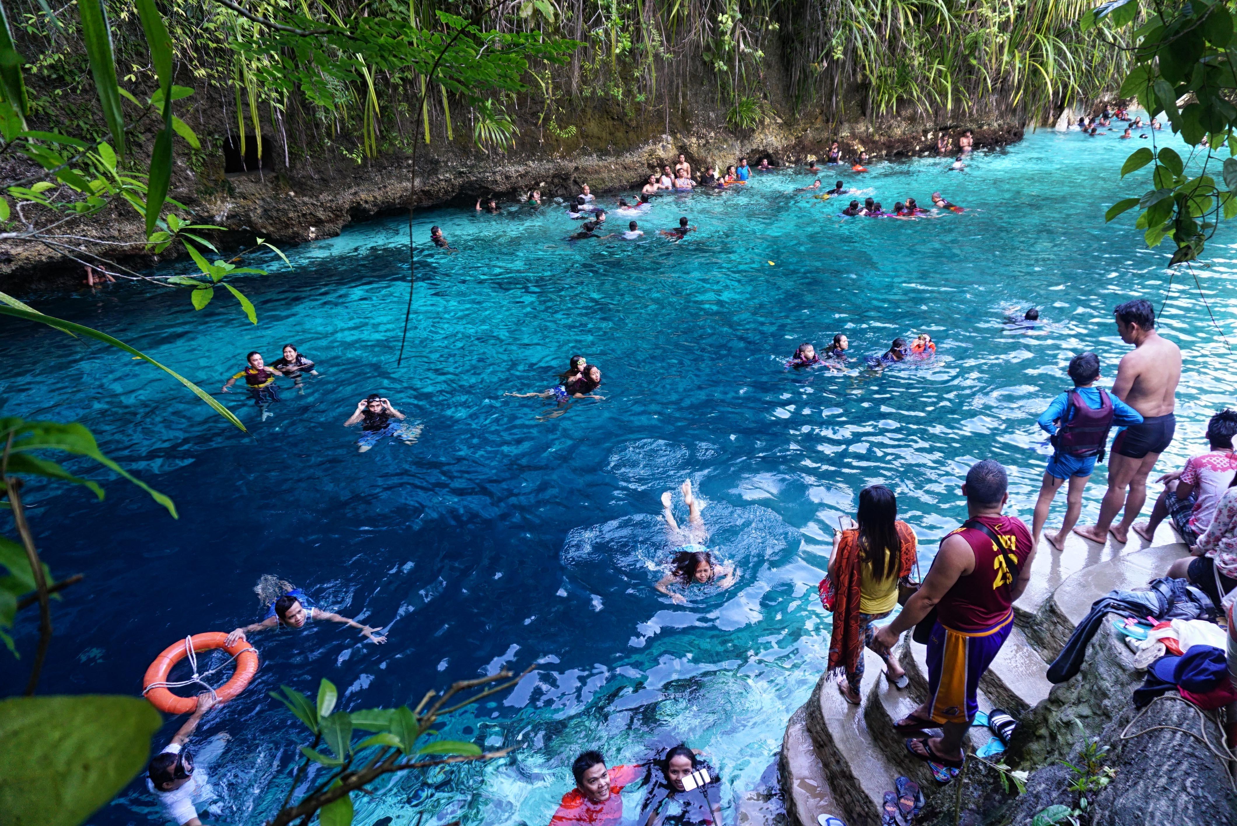 Hinatuan_enchanted_river2