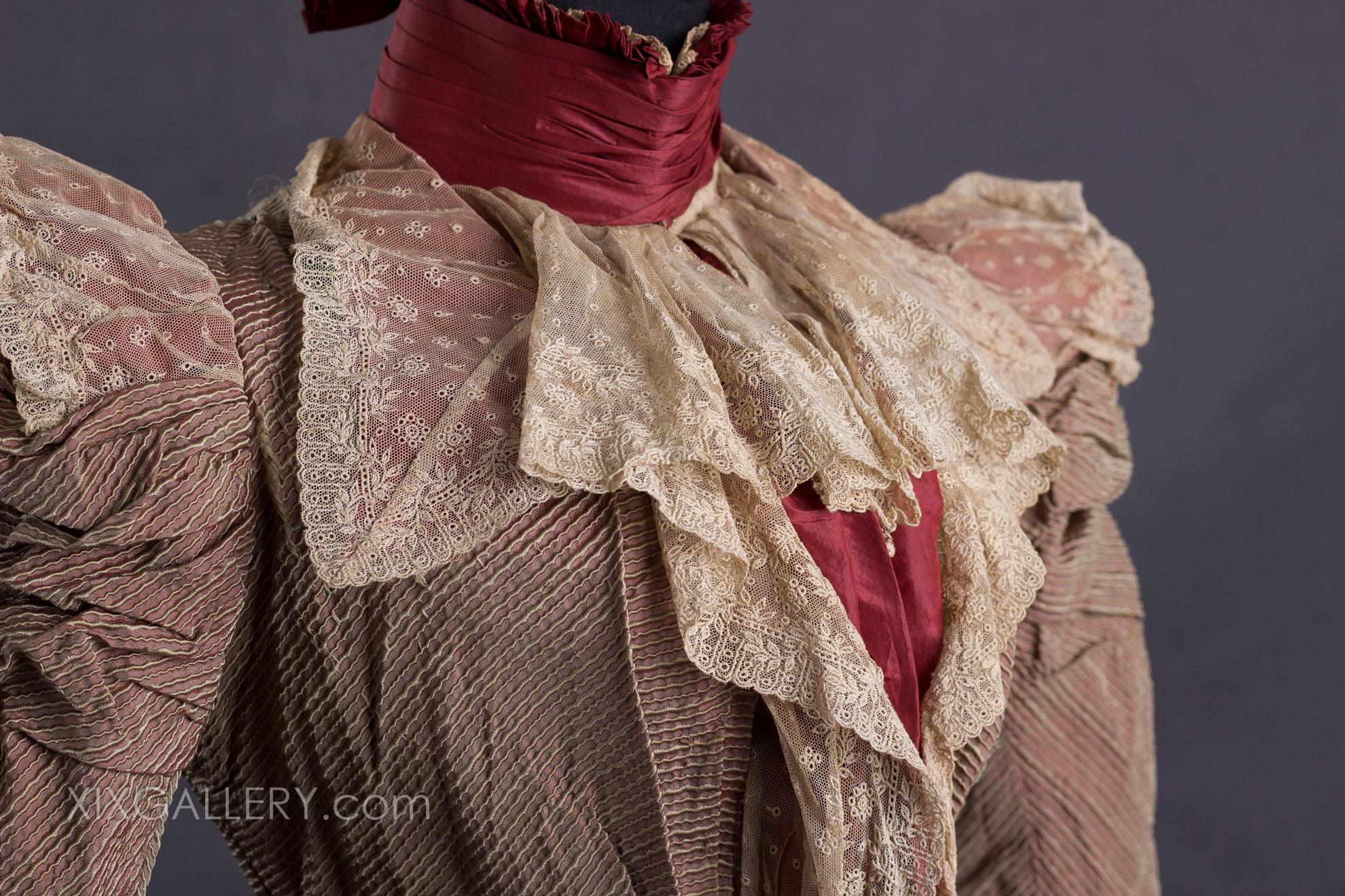 Suknia-wizytowa-1888-r.-2-of-3