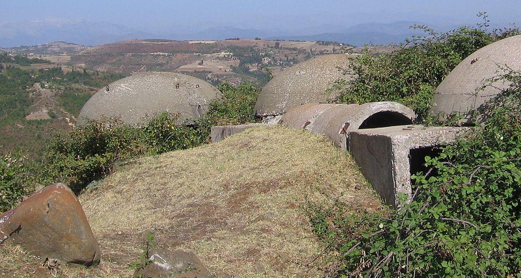 Bunkers.in.Albania